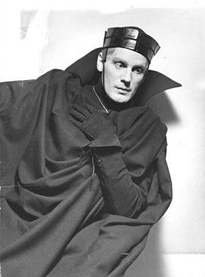 Gustaf Gründgens - Gustaf Gründgens as Hamlet (1936)