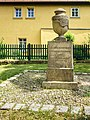 Burgwerben Denkmal Heydenreich.jpg