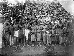 Alfur people - Image: COLLECTIE TROPENMUSEUM Alfuren uit de bergen van Ceram T Mnr 10005708