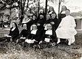 COLLECTIE TROPENMUSEUM Groepsportret met leden van de Rooms-Katholieke Missie tijdens het passagieren op Sabang na aankomst van de Prins der Nederlanden TMnr 60051357.jpg
