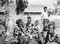 COLLECTIE TROPENMUSEUM Marktgangers op Timor TMnr 10002488.jpg