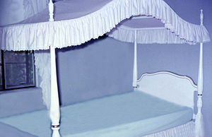 Canopy bed - Modern canopy bed