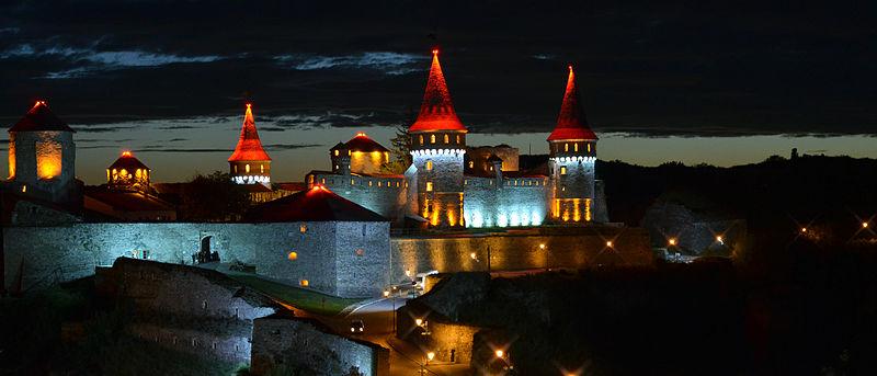 Уночі. Автор фото — Olgazasenko, ліцензія CC-BY-SA-3.0 (ВЛП-2013)