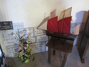 Chapelle des marins de Gonneville - ex-voto (3).JPG