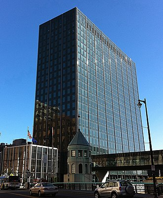 Chase Tower (Milwaukee) - The building from across the Wisconsin Avenue bridge in 2010