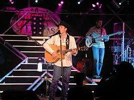 Clay Walker actuando en Dallas, Texas
