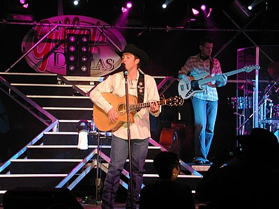 Picture of a band or musician: Clay Walker