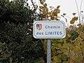 Col de la Croix du Ban - Chemin des Limites (plaque Sourcieux).jpg