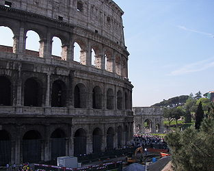 Colosseum Arch of Constantine.jpg