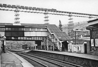 Crumlin Viaduct - The viaduct passing over Crumlin Low Level Station