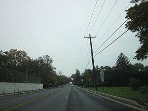 Delaware Route 3 - DE 3 southbound approaching Washington Street Extension