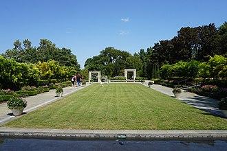 Dallas Arboretum and Botanical Garden - A Woman's Garden