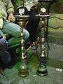 Damaskus, Dampfende und duftende Wasserpfeifen im Cafe (37989477304).jpg