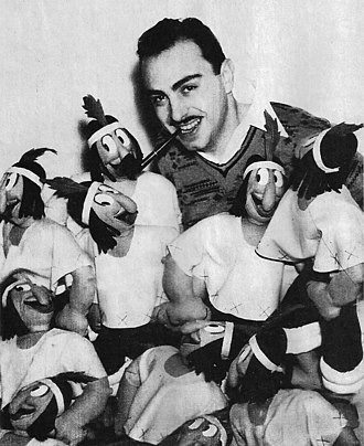 Patoruzú - Patoruzú creator, Dante Quinterno, with several sock puppets commercialised by his own company, 1936