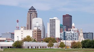 Skyline of Des Moines, Iowa's capital and largest city Des Moines skyline.jpg