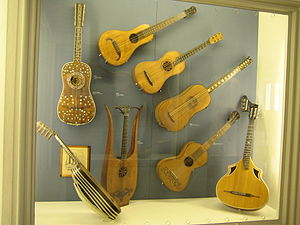 Classical guitar - History of guitars  (exhibited at Deutsches Museum)