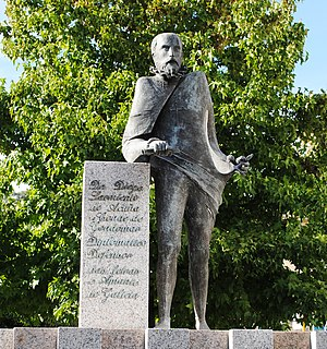 Diego Sarmiento de Acuña, 1st Count of Gondomar - Statue in Gondomar, Galicia:  Don Diego Sarmiento de Acuña, 1st Count of Gondomar, diplomatic, defender of the Galician language, and lover of Galicia