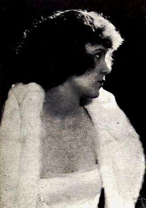 Dorothy Farnum - From a 1921 magazine