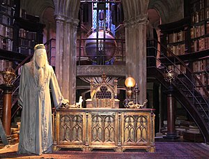 Warner Bros. Studio Tour London - The Making of Harry Potter - Dumbledore's Office