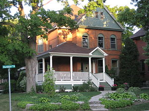 Dundurn Street (Hamilton, Ontario) - Dundurn Street South neighbourhood