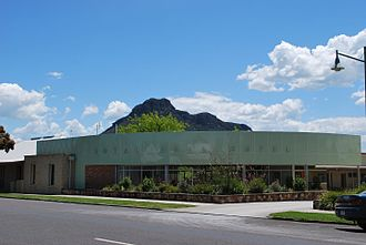 Dunkeld, Victoria - The Royal Mail Hotel with the Grampians in the background