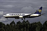 EI-FTP 737 Ryanair SCQ.jpg