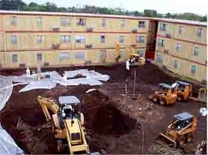 Agriculture Street Landfill - Image: EPA Excavation of Agriculture Street Landfill site courtyard