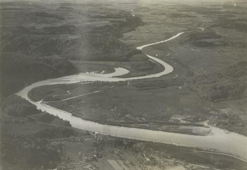 File:ETH-BIB-Mündung der Saane in die Aare bei Oberruntigen-Inlandflüge-LBS MH03-1817.tif