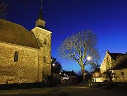 Eglise Saint-Cyr de nuit - Vesdun (18) 1.JPG
