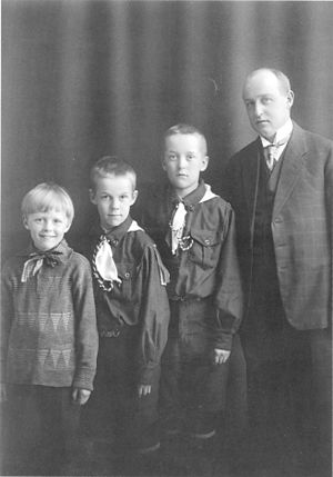 Einar W. Juva - Einar W. Juva with his sons Klaus (left), Mikko and Juhani in 1929.