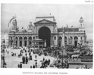 Carl Rohl-Smith - Electricity Building at the 1893 World's Fair, with Rohl-Smith's statue of Benjamin Franklin in front of the apse.