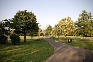 Hanwell - Image: Elthorne Park Hanwell 3367