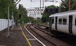 Enfield Town railway station MMB 01 317513.jpg