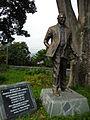 Escultura homenaje al humorista Guillermo Zuluaga (Montecristo).JPG