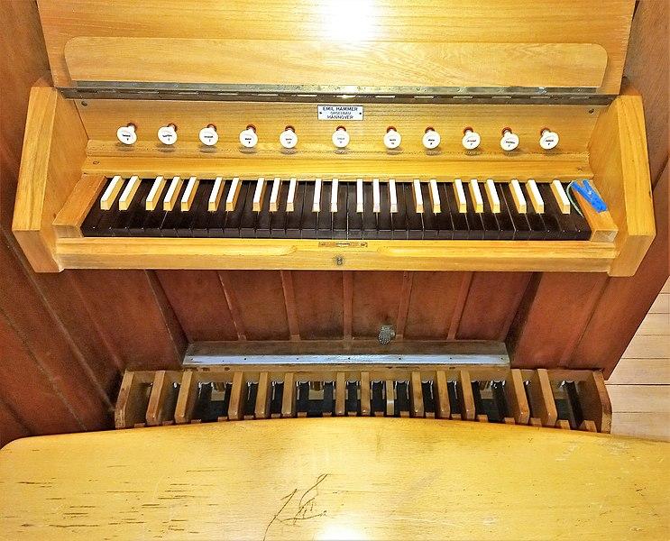 Datei:Fischbach-Camphausen, Evangelische Kirche (Hammer-Orgel) (6).jpg