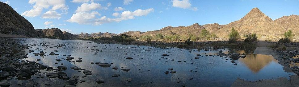 Fish River Canyon Causeway to Four Finger Rock