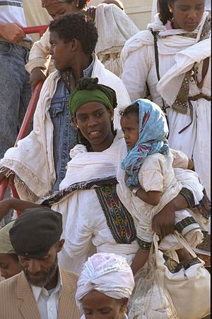 Operation Solomon - Ethiopian Jews disembarking from a jet plane at an Israeli Air Force base, 24 May 1991