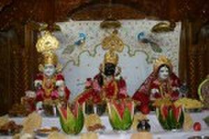 Nar Narayan Dev Gadi - Hari Krishna (left) and RadhaKrishna at the Swaminarayan Temple in Florida