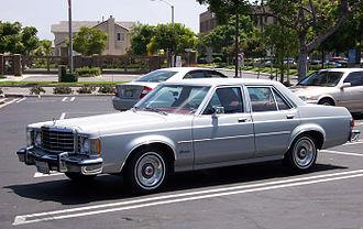 Ford Granada (North America) - 1975–1977 Ford Granada 4-door