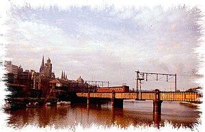 Sandridge Bridge - Train crossing the bridge in 1959
