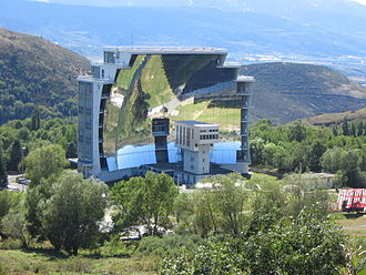 Félix Trombe - The great 1 MW solar furnace at Odeillo
