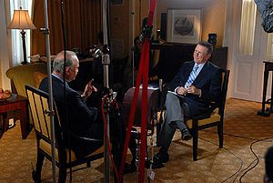 Charles Gibson - Gibson interviews Republican former U.S. Senator Fred Thompson during Thompson's unsuccessful campaign for the Republican Party's 2008 U.S. presidential nomination, September 25, 2007.