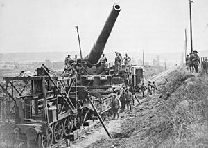 Canon de 305 mm Modèle 1893/96 gun - Railway gun on centre-pintle mounting circa. 1917