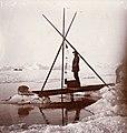Fridtjof Nansen måler dypvannstemperatur, 1894 (4564855643).jpg
