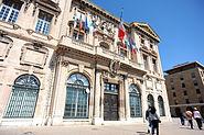 Front view of Hôtel de ville de Marseille (town hall, xvii century, by Gaspard Puget, Jean-Baptiste Méolans), Villeneuve de Bargemon Square. Marseille, Southeastern France , Western Europe