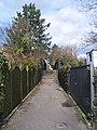 Fußweg mit Treppe - panoramio.jpg