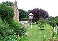 Garden in Kimpton - geograph.org.uk - 920736.jpg