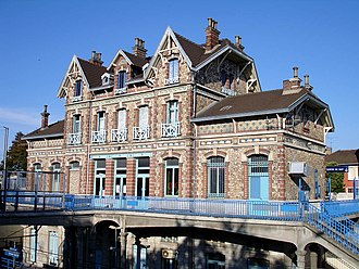 Gare d'Épinay-sur-Seine - The Gare d'Épinay-sur-Seine is highly ornamented, like all the stations on the former Les Grésillons line.
