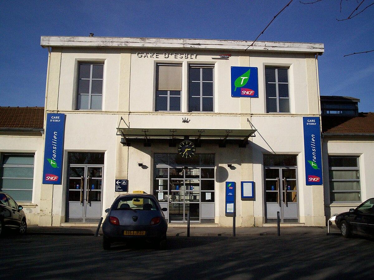 Gare d 39 esbly wikip dia for Garage de la gare pontault