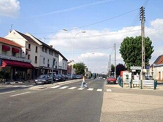 Garges-lès-Gonesse - The Avenue de Stalingrad in Garges-lès-Gonesse